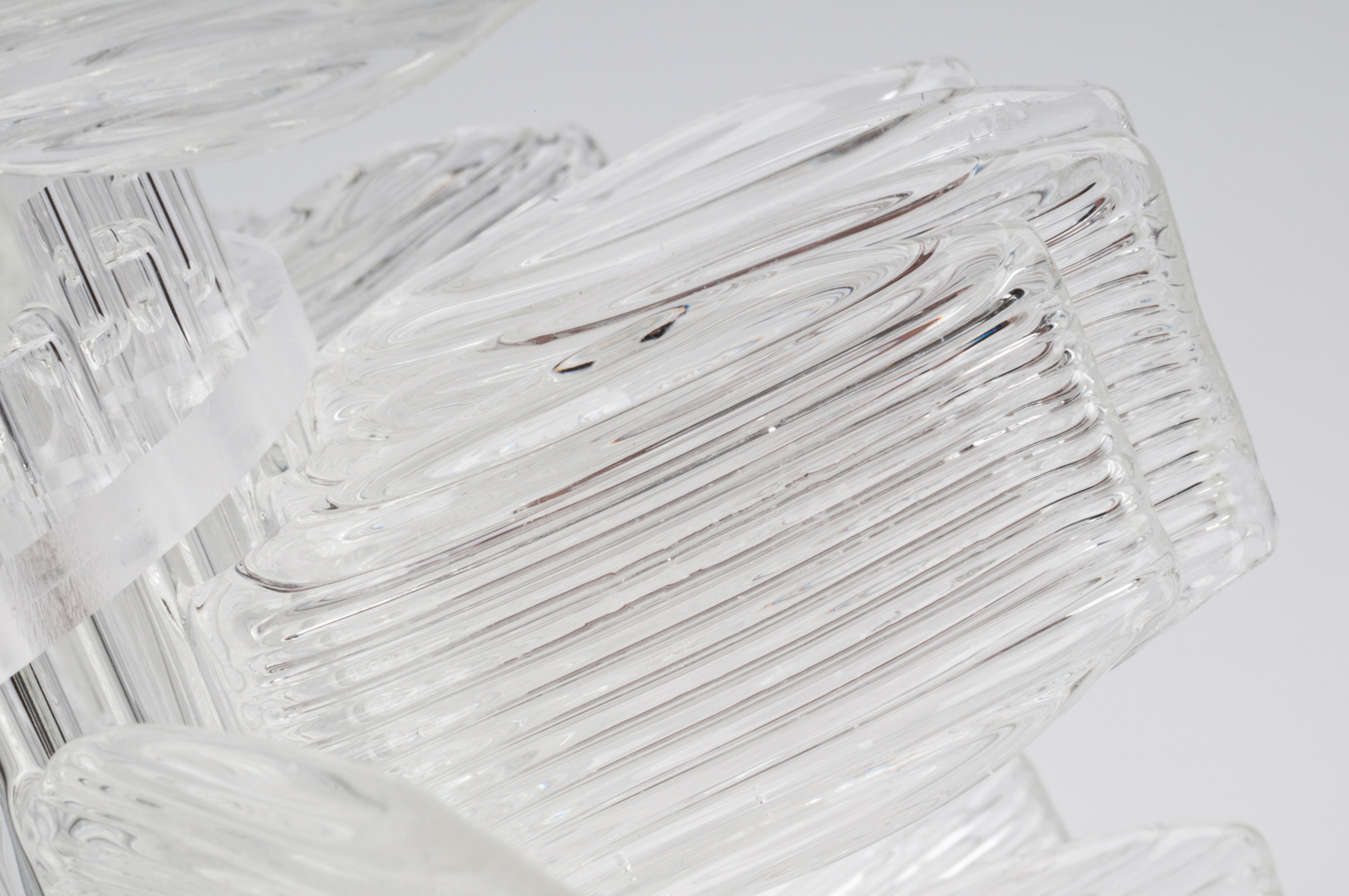 anemone-20-table-chrome-cristal-crystal-veronese-maurizio-galante-tal-lancman-41.jpg