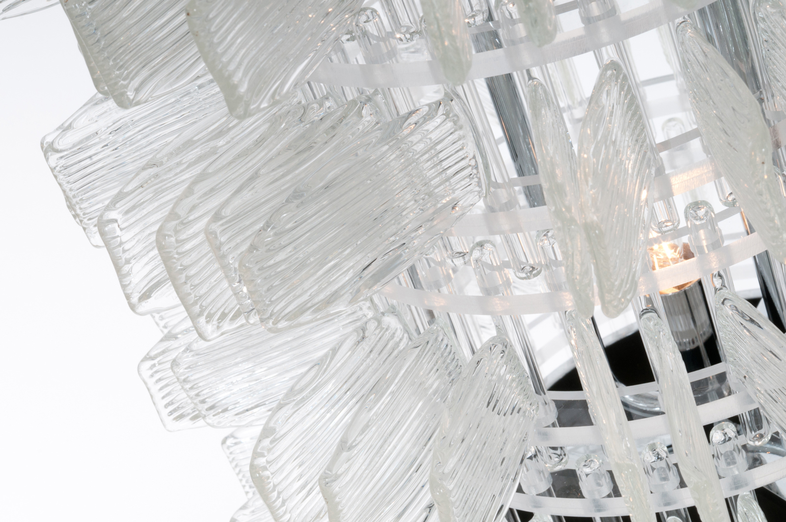 anemone-32-table-chrome-cristal-crystal-veronese-maurizio-galante-tal-lancman-31.jpg
