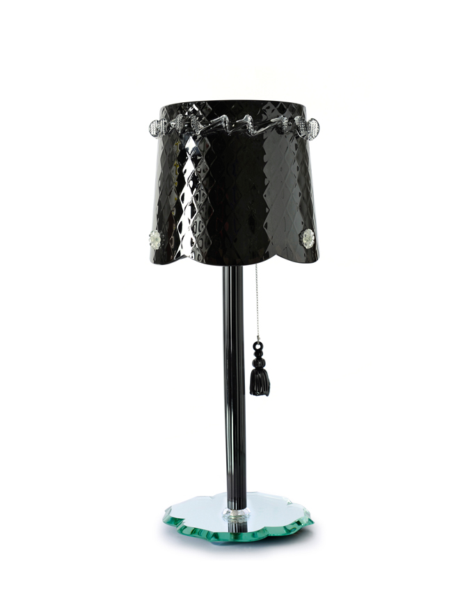 pompon-table-noir-black-chantal-thomass-veronese-0