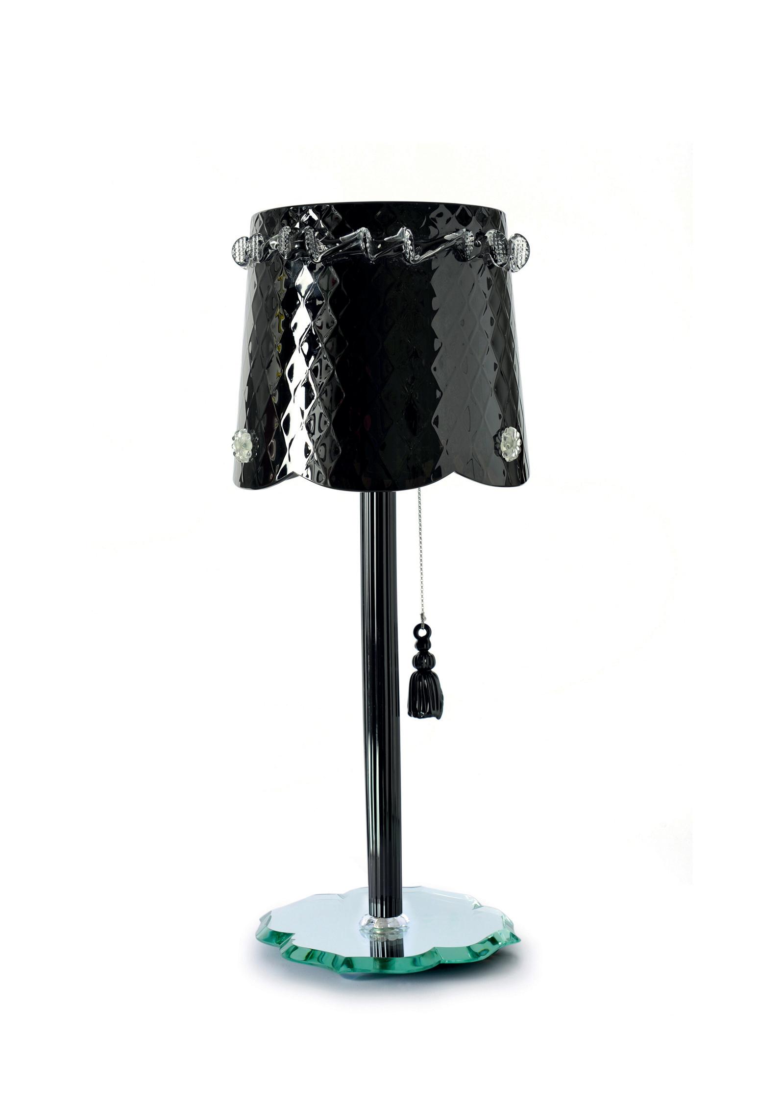 pompon-table-noir-black-chantal-thomass-veronese.jpg